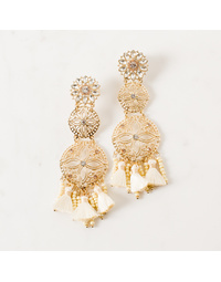Cream/ gold Earring
